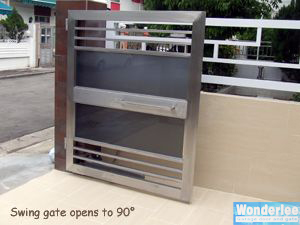 Swing gate opens to 90°